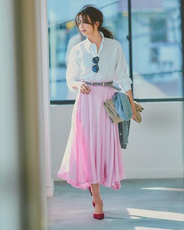 ラベンダーロングスカート×白シャツ