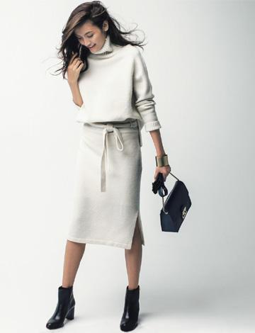 白ニットスカート