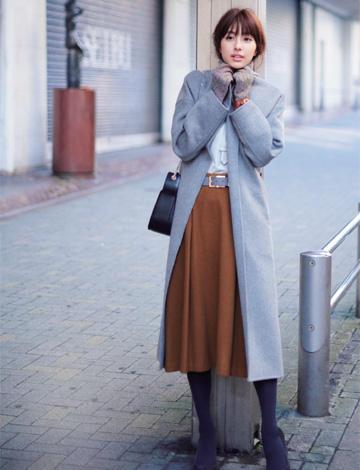 グレーチェスターコート×ブラウンフレアスカート