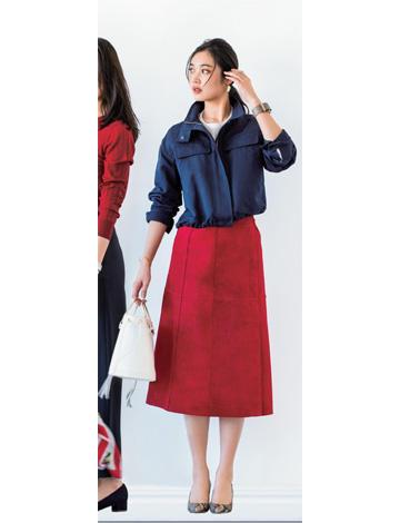 赤ロングスカート×ネイビーブルゾン