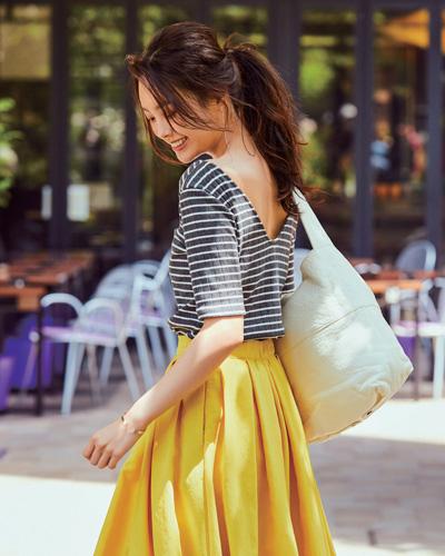 ボーダーカットソー×黄色フレアスカート