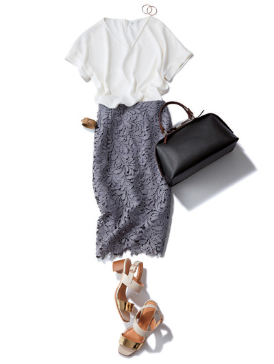 グレーレーススカート×白ブラウス