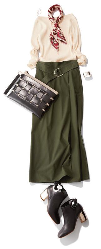 カーキロングスカート×黒リブニット