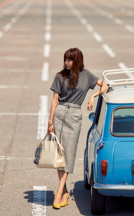 グレープルオーバー×グレータイトスカート