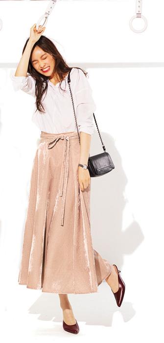ピンクロングスカート×白シャツ