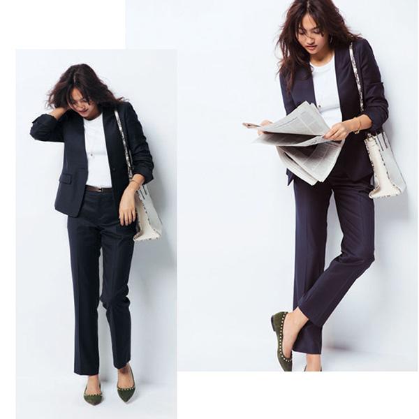 黒スーツ×白リブTシャツ