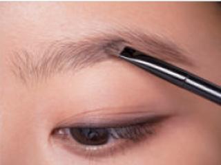 エクセル×眉パウダーと立体眉の作り方