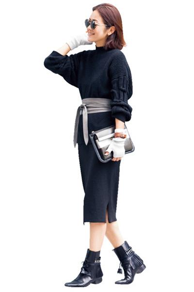 ざっくりニット×黒ニットタイトスカート