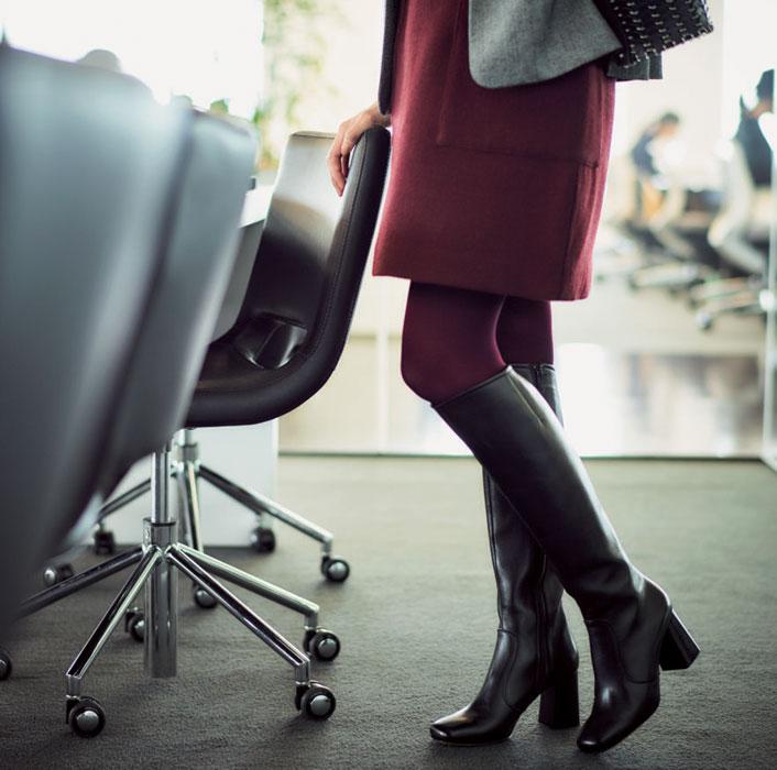 ボルドー カラータイツ 同色スカート ロングブーツ