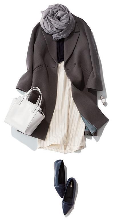 白ストライプスカート×チェスターコート