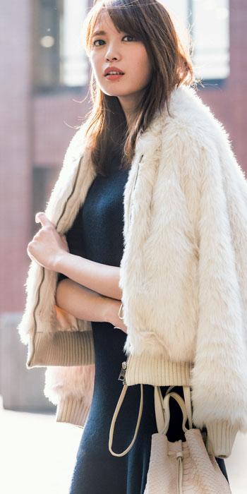 ワンピース×優しげ淡色コート