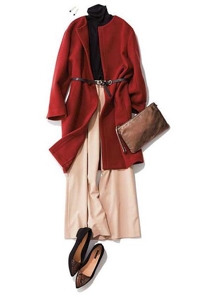 茶色クラッチバッグ✕赤コート
