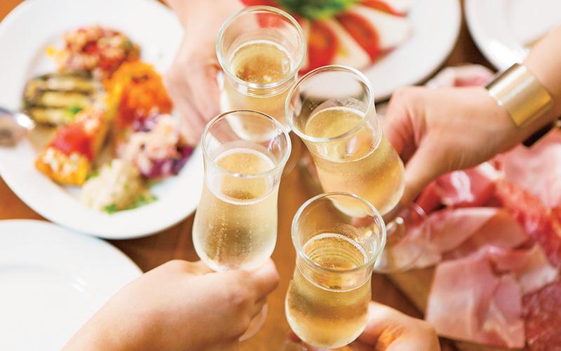 婚活 イメージ シャンパン