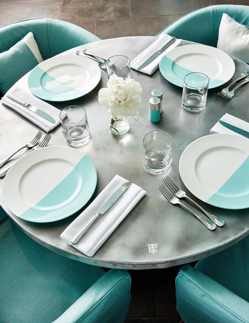 ティファニーカフェテーブル