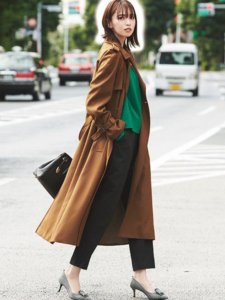 66d15e611a8f4 黒パンツのレディースコーディネートを最新の秋冬スタイルから春夏のおすすめまでご紹介。スラックスパンツやシャツ・ジャケットとの組み合わせ、黒パンツに合う靴の色  ...