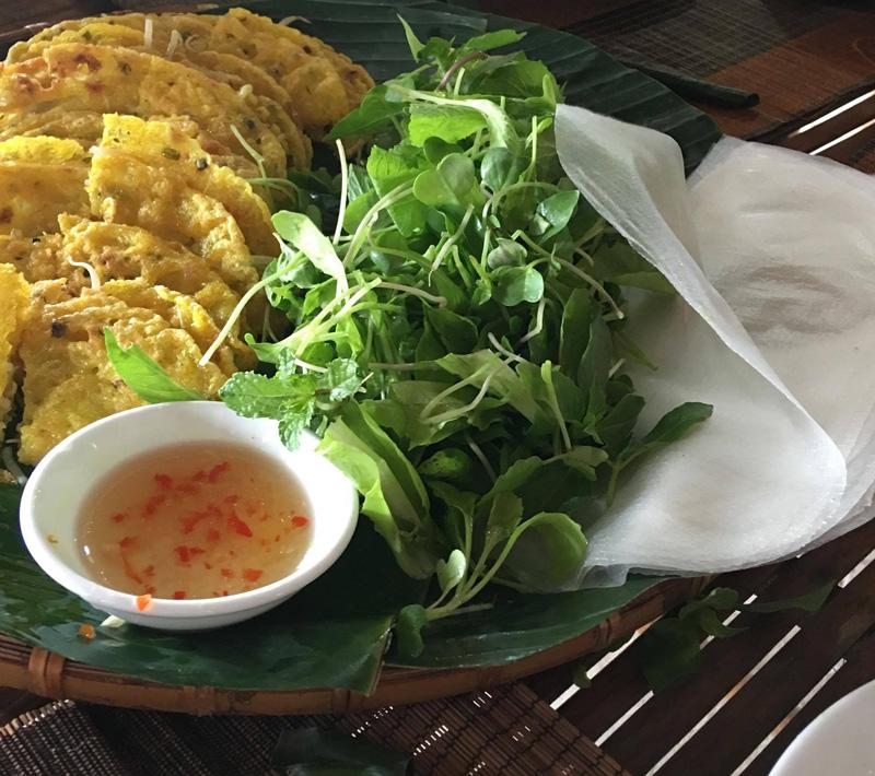 ベトナム料理バインセオ