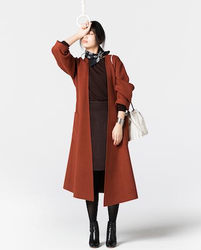 こげ茶セーター×コート×タイトスカート