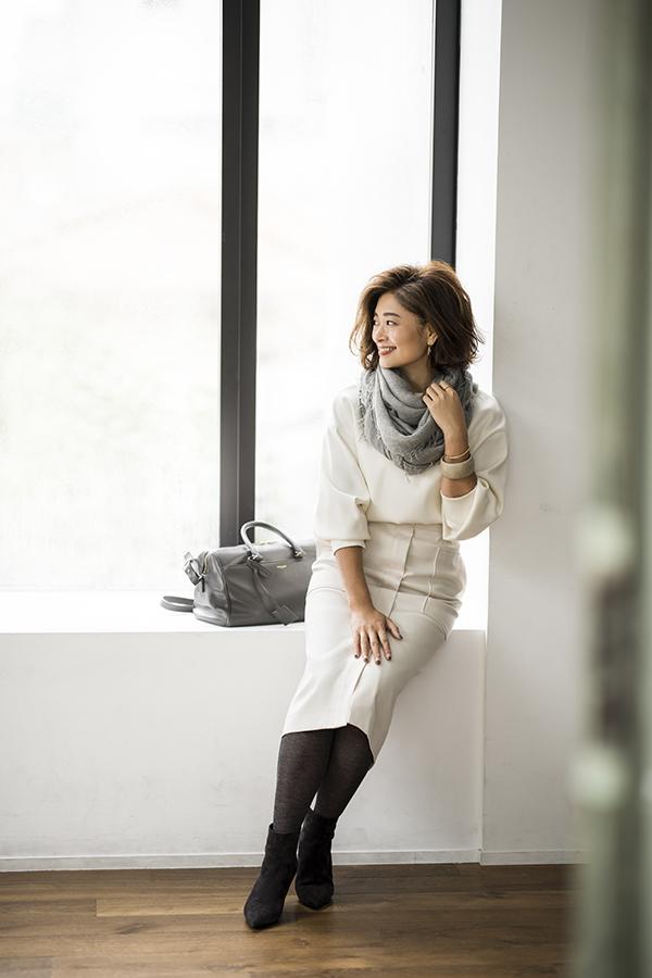 白コート×白スカート