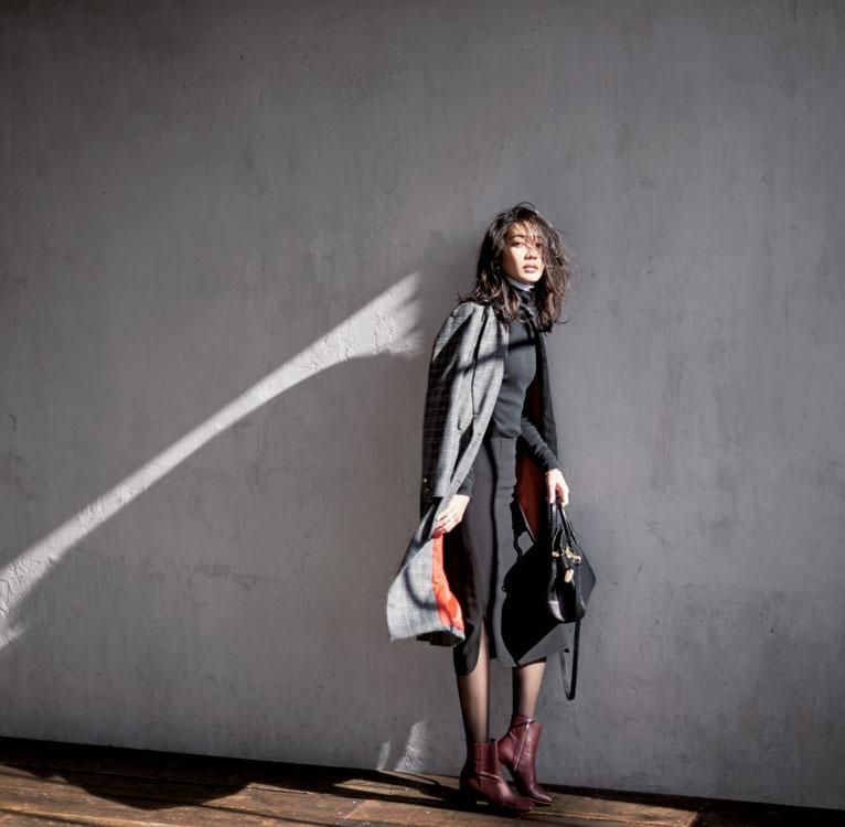 ドゥーズィエム クラスの黒スカート×黒のレイヤード