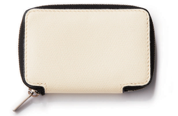 白 風水 財布