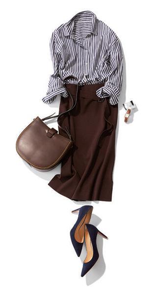 こげ茶タイトスカート×ストライプシャツ