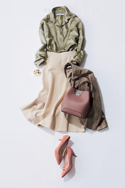 ベージュロングスカート×カーキシャツ