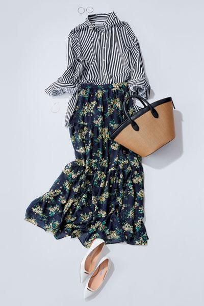 ストライプシャツ×花柄スカート