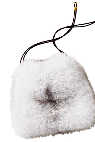 ショルダーバッグ おすすめ×ラドローの白ファーバッグ