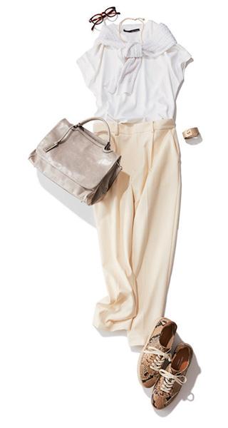 白Tシャツ×ワントーンコーデ