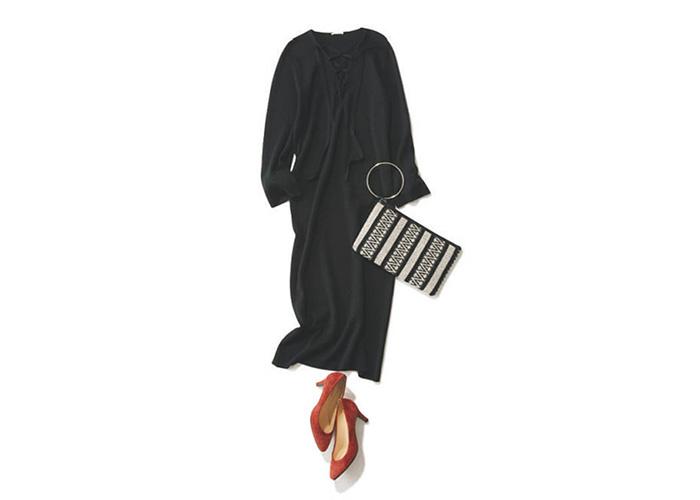 4275da8841ba5 鉄板の黒ワンピースを手に入れるなら、シルエットが美しいと評判の大人の女性の信頼ブランド THE IRON の一枚をチェック。過去の誌面に掲載されていたOggi世代に  ...
