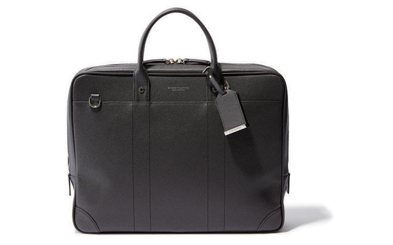 四角バッグ:グローブ・トロッターのスマートバッグ