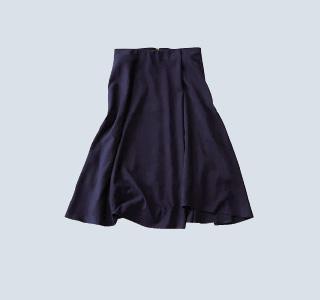 ロペ×ネイビーのスエードスカート