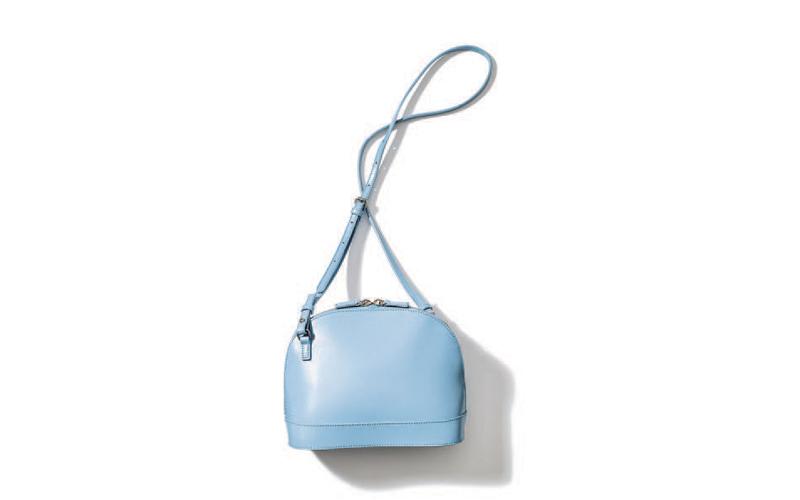 ショルダーバッグ:YHAKIのレザーバッグ