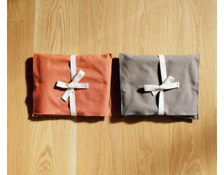 同系色の布袋