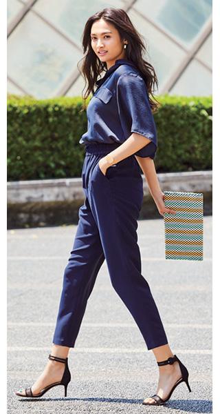紺シャツ×ネイビーパンツ