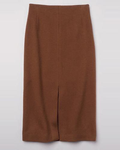 ルーニィのブラウンのソリッドなタイトスカート
