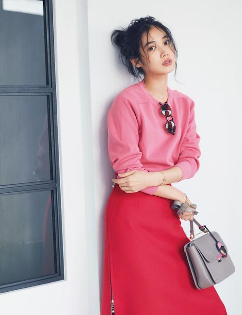 赤スカート×ピンクニット