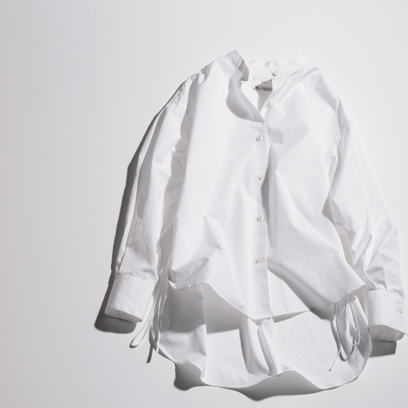 allureville|アルアバイルの白シャツ