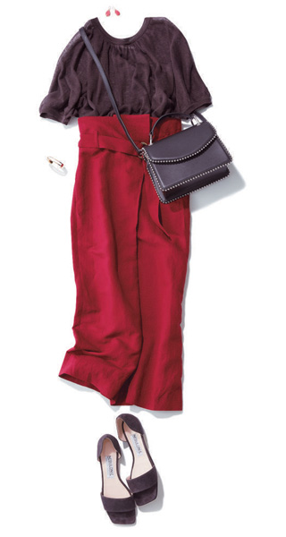 赤スカート×濃い目ブラウンニット