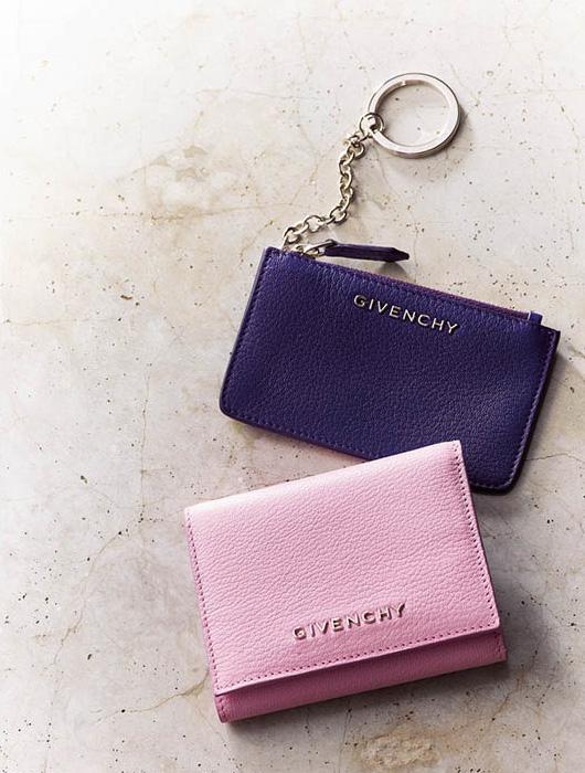 ピンクの財布・ブランド:ジバンシィ