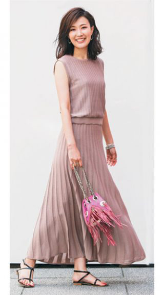 モーブピンクマキシスカート×紐サンダル
