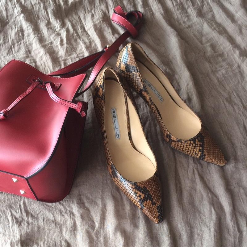 パイソン柄の靴