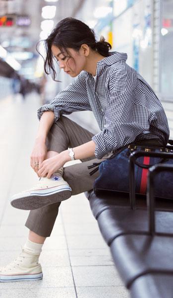 カジュアルな着こなしも立体的な仕立てで上質な雰囲気に
