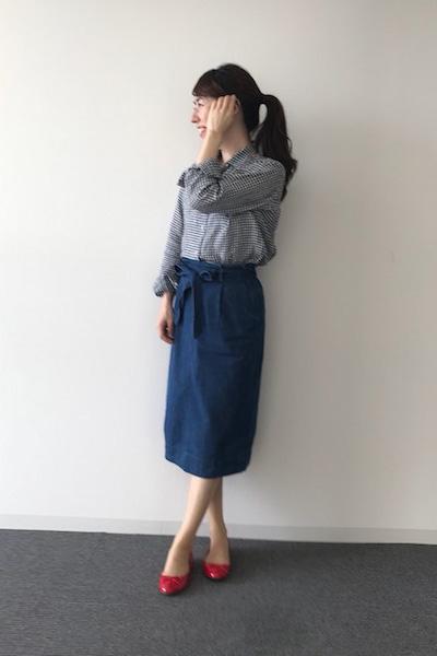 ギンガムチェック柄シャツ✕青デニムスカート