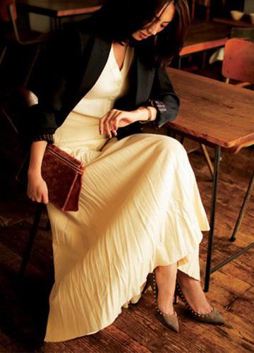 白ロングプリーツスカート×白ニット
