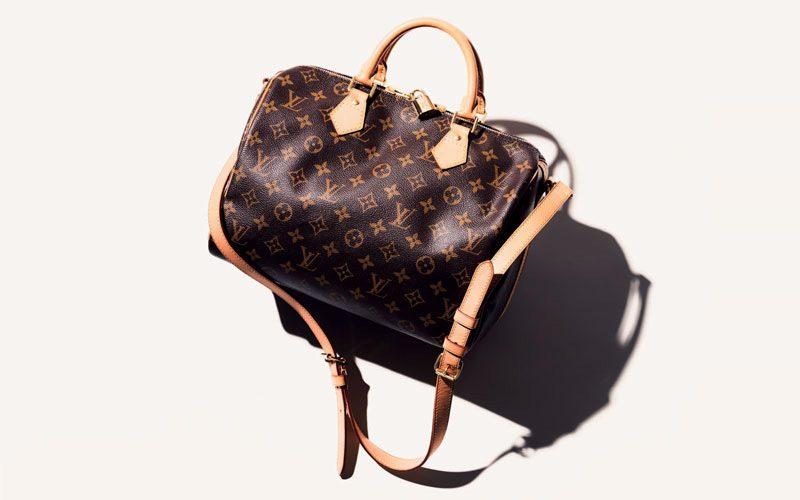 3874439d4712 女性らしさあふれるワンハンドルバッグやかごバッグ、使い勝手の良いスクエアバッグ、ボディにフィットするショルダーバッグなど。メンズライクなスマートバッグも 。