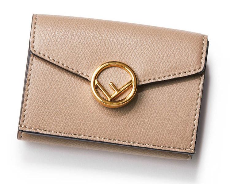 フェンディ×ベージュの金具付きミニ財布