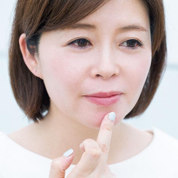 【3】指塗りでつくるなじみベースメイク&シャドー