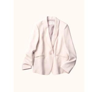 テーラードジャケット×オフホワイト