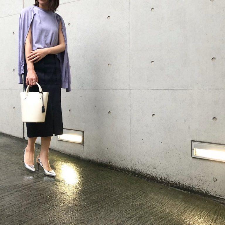 【2】パープルのツインニット×ネイビータイトスカート
